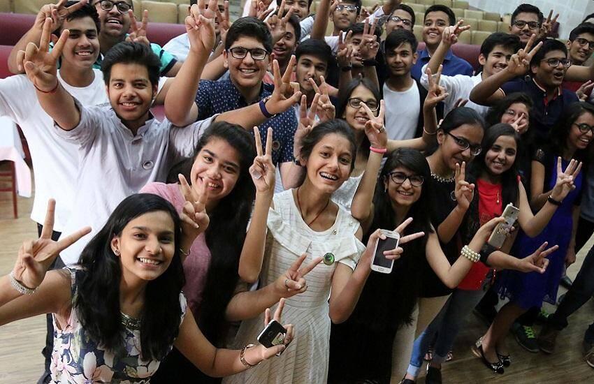 BSEB Intermediate Scholarship: बिहार बोर्ड 12th के 50 हजार छात्रों को मिलेगी स्कॉलरशिप ,यहाँ जाने आवेदन की अंतिम तारीख
