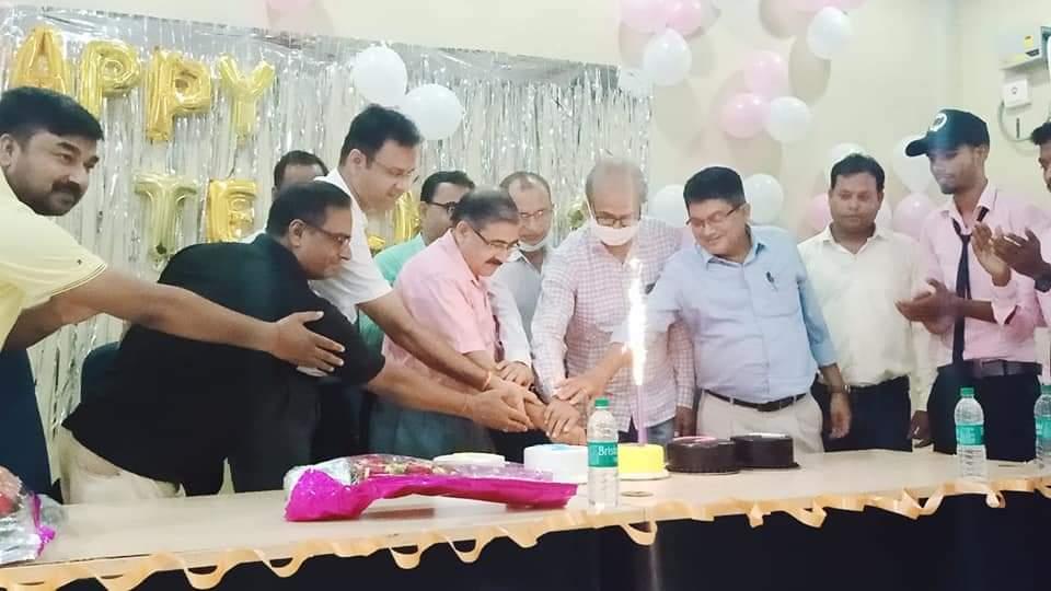 राजनारायण कॉलेज के छात्र-छात्राओं ने शनिवार को देश के पूर्व राष्ट्रपति डॉ सर्वपल्ली राधा कृष्णन की जयंती पर टीचर्स डे धूमधाम से मनाया